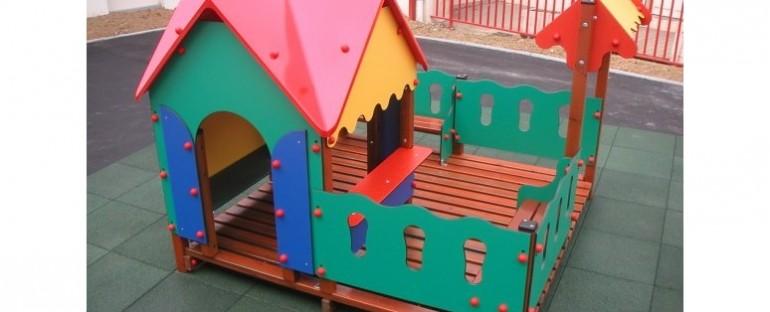 aires de jeux : les normes des sols amortissant